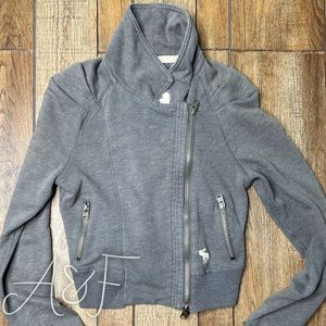 Abercrombie & Fitch Gray Zip Up Half Sweater M